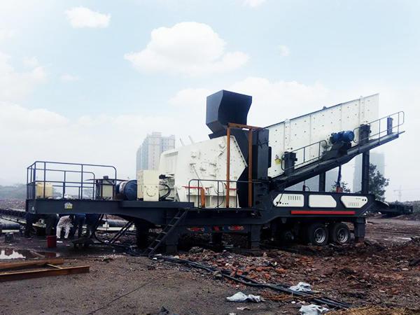 流动式xiao型la圾粉碎机